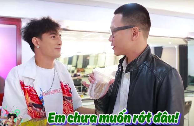 Wowy lần đầu khoe giọng hát tại Rap Việt đã bị Lăng LD cực phũ: Mọi người hiểu tại sao anh Wy rap rồi đó chứ ổng hát ai mà nghe - Ảnh 6.