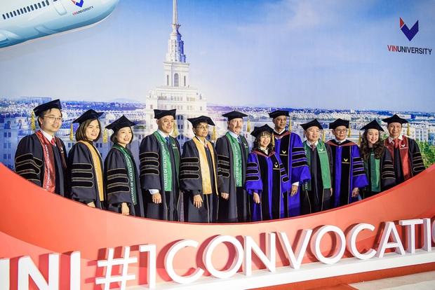 VinUni chính thức khai giảng năm học đầu tiên, 260 tân sinh viên khoá I đều sở hữu thành tích khủng - Ảnh 9.