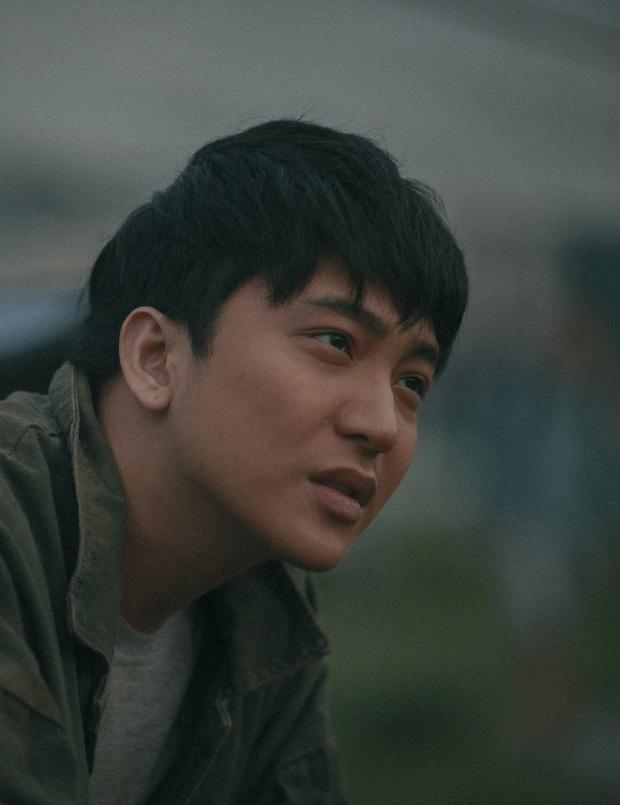 Hoàng Thùy Linh rủ 3 nam thần sang chảnh cùng phèn hoá ở trailer Trái Tim Quái Vật - Ảnh 4.