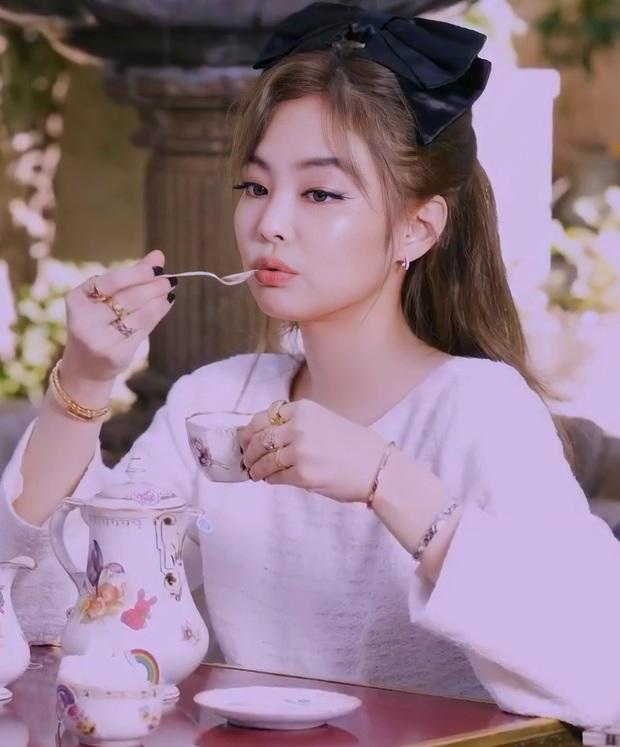 30 nữ idol Kpop hot nhất hiện nay: T-ara đua top ngoạn mục với BLACKPINK, thứ hạng TWICE - Red Velvet quá khó hiểu - Ảnh 2.