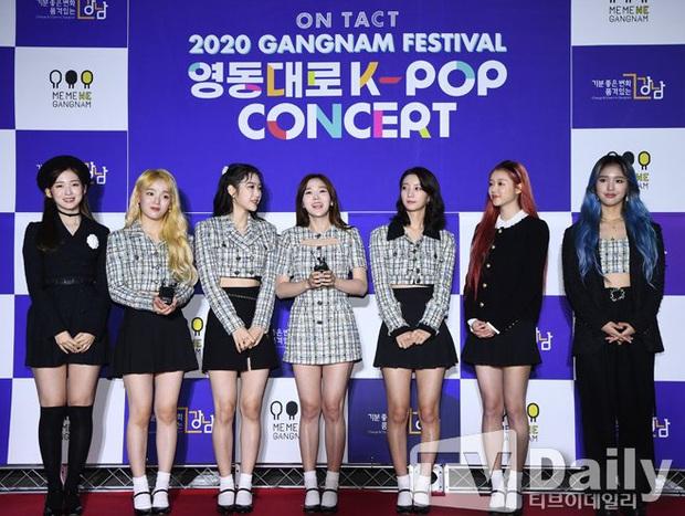 Thảm đỏ hot nhất xứ Hàn hôm nay: Tiffany (SNSD) chặt chém với đôi chân cực phẩm, Joy (Red Velvet) đẹp lấn át cả nữ thần Irene - Ảnh 16.