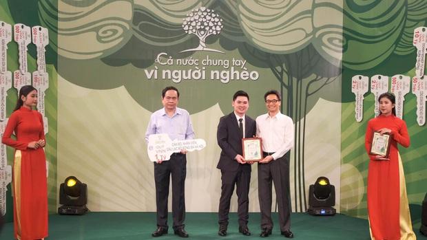 Báo Thái ca ngợi Văn Lâm vì nghĩa cử đẹp, Hà Nội FC ủng hộ người nghèo 1 tỷ đồng - Ảnh 2.