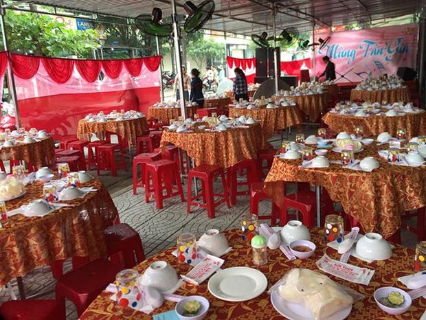 Karik mời Only C ăn tiệc tân gia lúc 8:00 sáng, đến nơi nghe chủ nhà tỉnh bơ: Ủa đói không, order đồ ăn nha? - Ảnh 2.