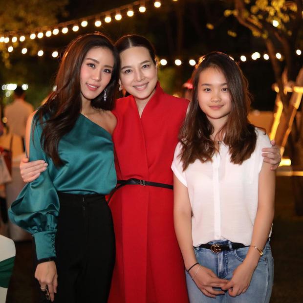 Ái nữ nhà chủ tịch đội bóng Thái Lan gây sốt với nhan sắc xinh đẹp, là du học sinh ở Úc và được kỳ vọng sẽ nối nghiệp của mẹ - Ảnh 2.