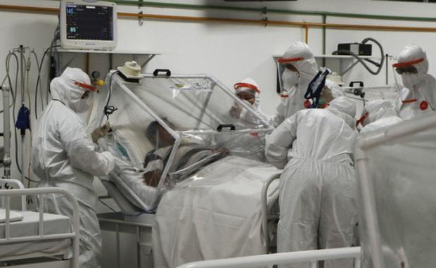 Số người mắc COVID-19 trên toàn cầu tiến sát mốc 40 triệu ca - Ảnh 2.