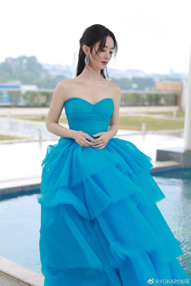 Bế mạc Kim Ưng 2020: Triệu Lệ Dĩnh bùng nổ visual bên Victoria sến sẩm, Thánh lố hoá công chúa giữa dàn mỹ nam - Ảnh 2.
