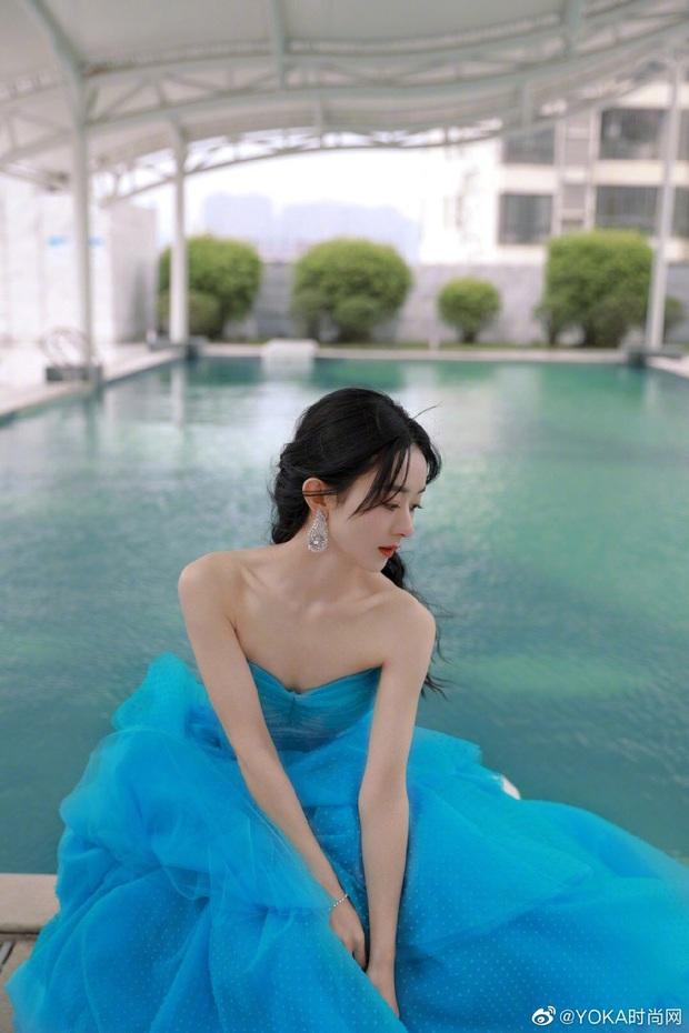 Bế mạc Kim Ưng 2020: Triệu Lệ Dĩnh bùng nổ visual bên Victoria sến sẩm, Thánh lố hoá công chúa giữa dàn mỹ nam - Ảnh 6.