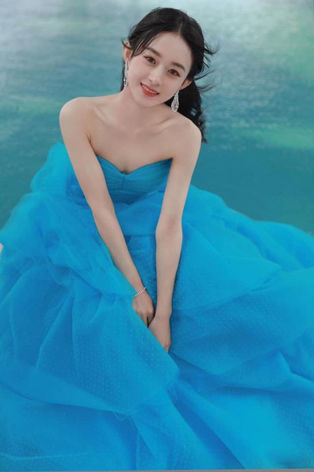 Bế mạc Kim Ưng 2020: Triệu Lệ Dĩnh bùng nổ visual bên Victoria sến sẩm, Thánh lố hoá công chúa giữa dàn mỹ nam - Ảnh 4.