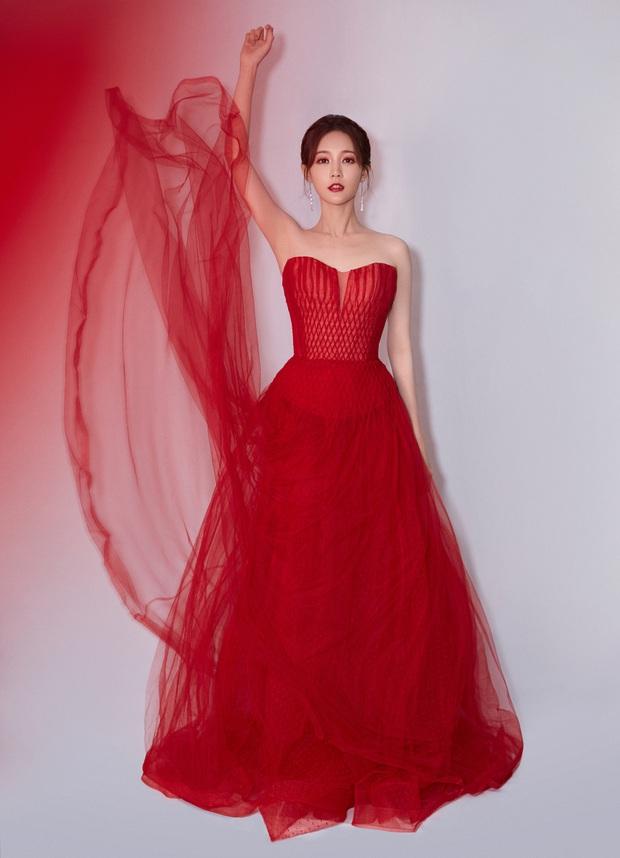 Bế mạc Kim Ưng 2020: Triệu Lệ Dĩnh bùng nổ visual bên Victoria sến sẩm, Thánh lố hoá công chúa giữa dàn mỹ nam - Ảnh 24.