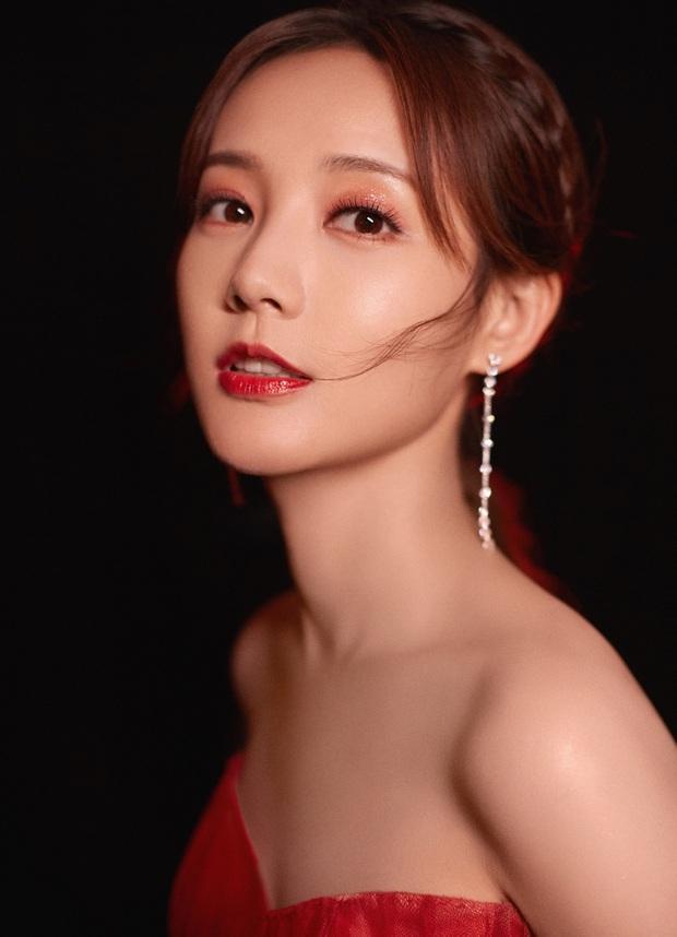 Bế mạc Kim Ưng 2020: Triệu Lệ Dĩnh bùng nổ visual bên Victoria sến sẩm, Thánh lố hoá công chúa giữa dàn mỹ nam - Ảnh 25.