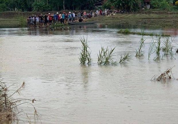 Quảng Nam: 2 học sinh bị rớt xuống cầu, 1 em tử vong - Ảnh 1.