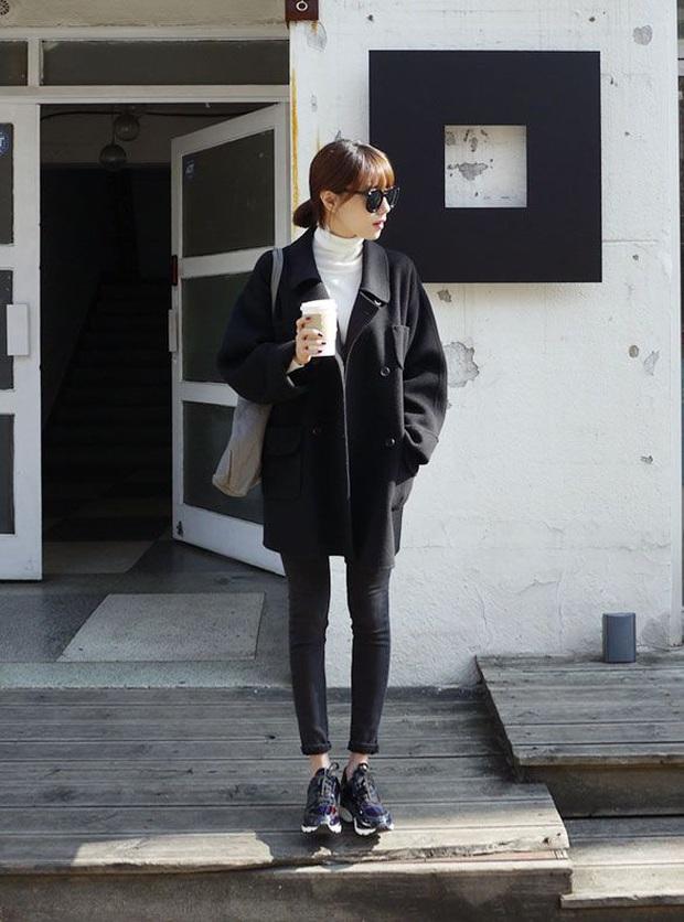 Trời lạnh là dân tình lại nhức nhối với kiểu ăn mặc của một vài chị em: Diện legging hớ hênh khiến người nhìn ngán ngẩm - Ảnh 8.