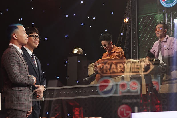 Tự hào về màn trình diễn LoR, Suboi tiết lộ ấn tượng ban đầu: Trong căn phòng có nhiều người hút thuốc, trừ một người không - Ảnh 4.