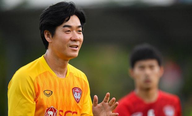 Kiatisak có thể làm thầy Văn Lâm sau khi Muangthong thua sốc đội bét bảng - Ảnh 3.