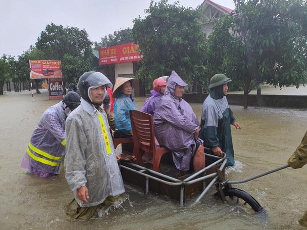 Bộ Y tế xuất cấp 4,2 triệu viên sát khuẩn nước cho 6 tỉnh/thành phố ảnh hưởng nghiêm trọng của mưa lũ - Ảnh 1.