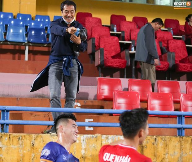 Quế Ngọc Hải bị trợ lý HLV tuyển Việt Nam doạ đánh vì chơi xấu đàn em - Ảnh 5.
