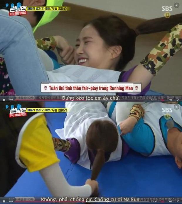 Những lần Jeon So Min chiếm sóng, bạo lực với loạt khách mời: Từ nắm tóc nữ idol kéo lê xềnh xệch đến đạp mạnh BLACKPINK - Ảnh 7.