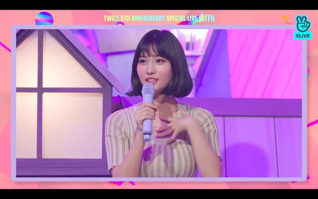 Tròn 5 năm debut, TWICE mở buổi live đặc biệt: Jeongyeon vắng mặt, các thành viên không ngại spoil ca khúc mới khiến fan sướng rơn - Ảnh 12.