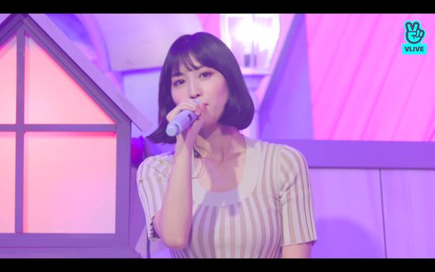 Tròn 5 năm debut, TWICE mở buổi live đặc biệt: Jeongyeon vắng mặt, các thành viên không ngại spoil ca khúc mới khiến fan sướng rơn - Ảnh 42.