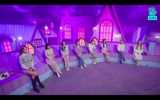Tròn 5 năm debut, TWICE mở buổi live đặc biệt: Jeongyeon vắng mặt, các thành viên không ngại spoil ca khúc mới khiến fan sướng rơn - Ảnh 43.
