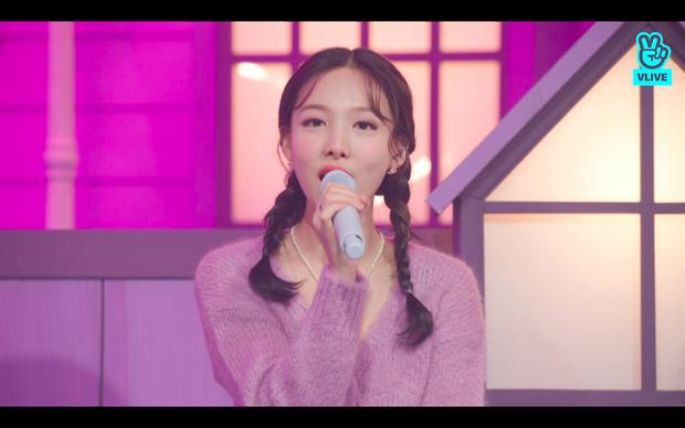 Tròn 5 năm debut, TWICE mở buổi live đặc biệt: Jeongyeon vắng mặt, các thành viên không ngại spoil ca khúc mới khiến fan sướng rơn - Ảnh 54.
