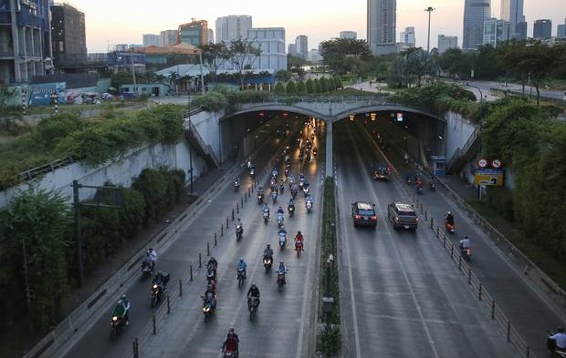 TP.HCM: Cấm xe qua hầm Thủ Thiêm trong 2 ngày, người dân cần chú ý - Ảnh 1.