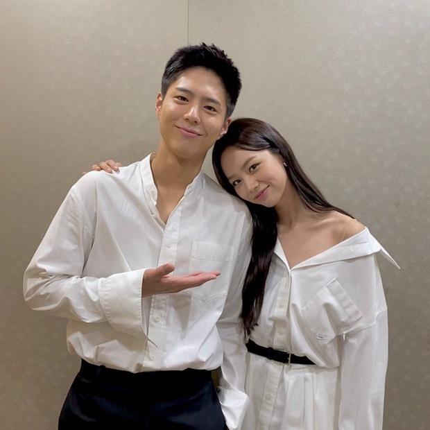 Hyeri xuất hiện ở Record Of Youth tập 13 nhưng không ghé thăm Park Bo Gum, chẳng bõ công fan Reply 1988 hóng dài cổ - Ảnh 4.