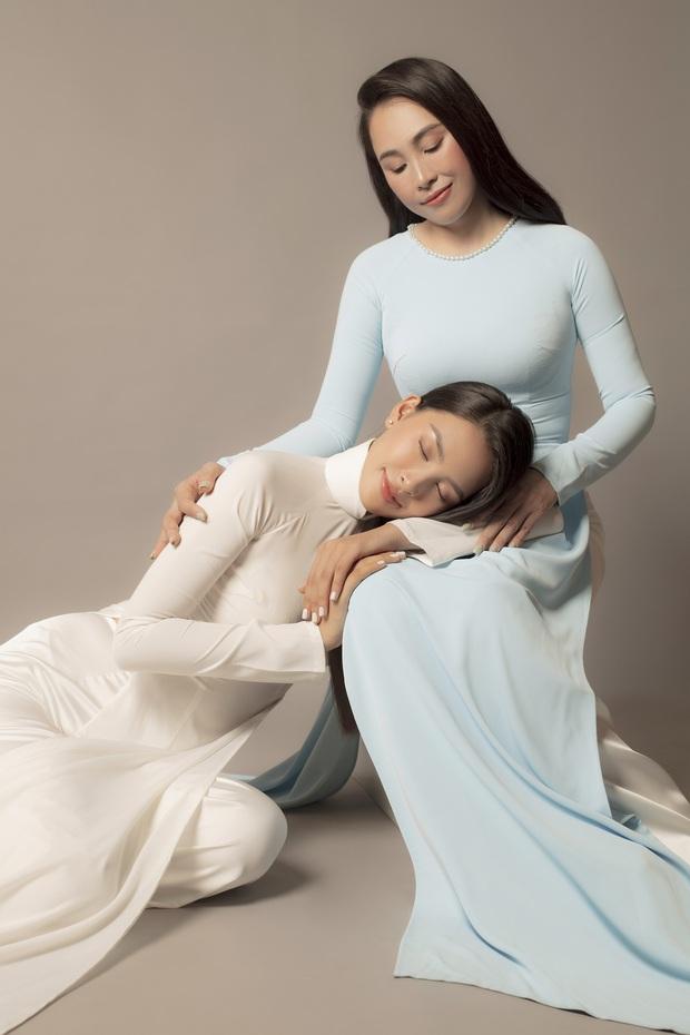 Tiểu Vy tung bộ ảnh với mẹ ruột mừng 20/10: Khoe body nuột nà, thì ra visual đỉnh cao thừa hưởng từ đây! - Ảnh 5.