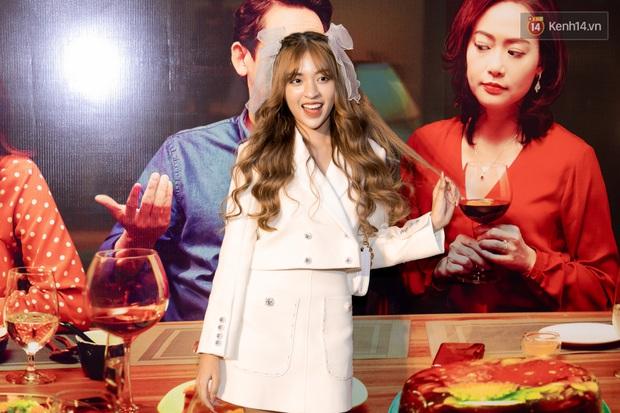 Kaity Nguyễn diện đồ kín bưng, để dàn mỹ nhân showbiz Việt chặt đẹp ở thảm đỏ Tiệc Trăng Máu - Ảnh 10.