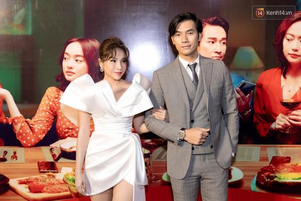 Kaity Nguyễn diện đồ kín bưng, để dàn mỹ nhân showbiz Việt chặt đẹp ở thảm đỏ Tiệc Trăng Máu - Ảnh 19.