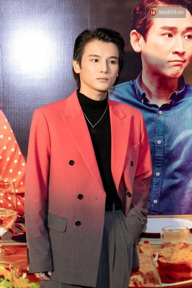 Kaity Nguyễn diện đồ kín bưng, để dàn mỹ nhân showbiz Việt chặt đẹp ở thảm đỏ Tiệc Trăng Máu - Ảnh 24.
