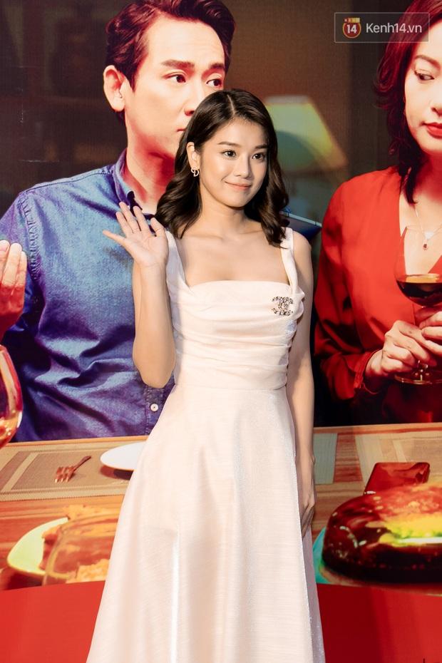 Kaity Nguyễn diện đồ kín bưng, để dàn mỹ nhân showbiz Việt chặt đẹp ở thảm đỏ Tiệc Trăng Máu - Ảnh 6.