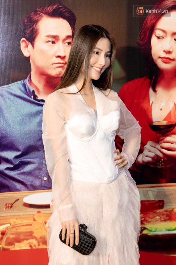 Kaity Nguyễn diện đồ kín bưng, để dàn mỹ nhân showbiz Việt chặt đẹp ở thảm đỏ Tiệc Trăng Máu - Ảnh 13.