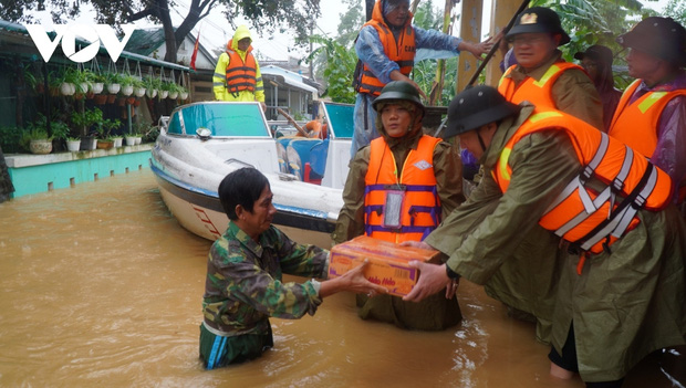 Thủ tướng quyết định xuất cấp 4.000 tấn gạo hỗ trợ nhân dân miền Trung - Ảnh 1.