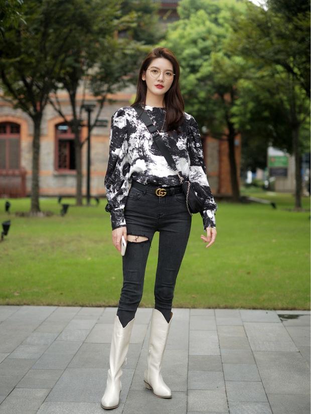 Street style châu Á: Hội chị em lên đồ đẹp hút mắt, toàn blazer và cardigan nhưng nhìn sang hết nấc - Ảnh 2.