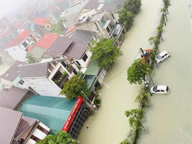Mưa trắng trời, TP. Hà Tĩnh chìm trong ngập lụt lịch sử chưa từng có - Ảnh 14.