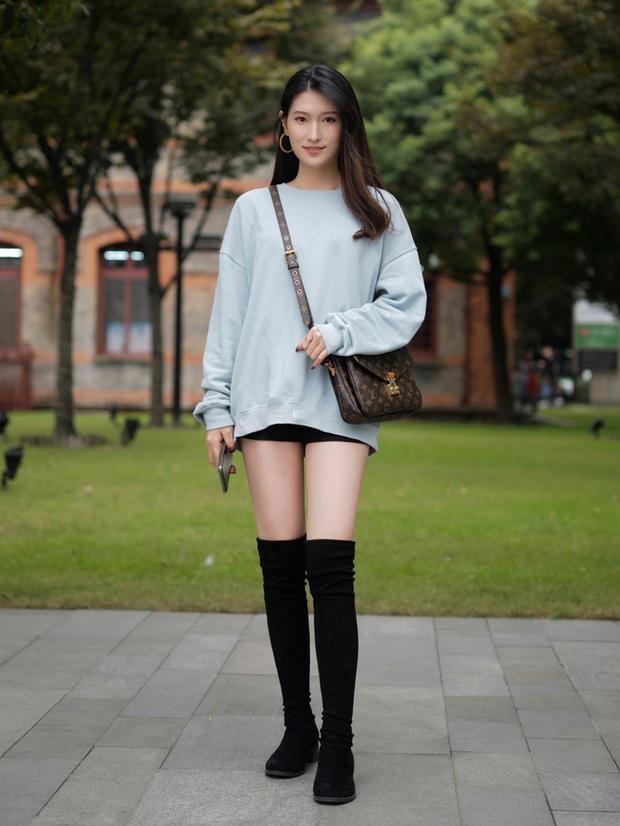 Street style châu Á: Hội chị em lên đồ đẹp hút mắt, toàn blazer và cardigan nhưng nhìn sang hết nấc - Ảnh 7.