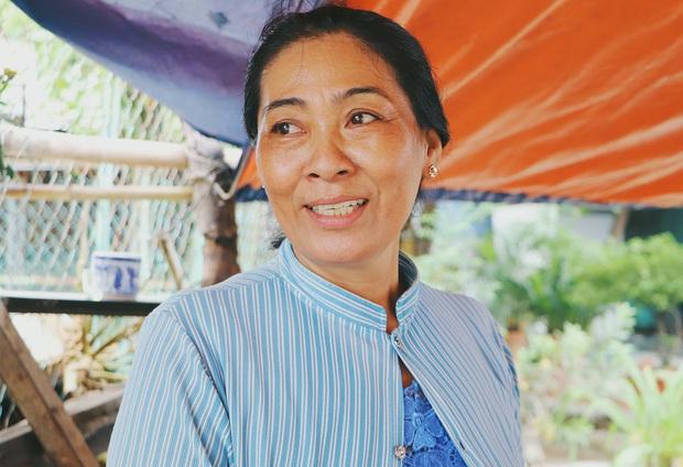 Ấm lòng cụ bà bệnh tật được đôi vợ chồng nghèo nhận về cưu mang, chăm sóc như mẹ ruột ở Sài Gòn - Ảnh 4.