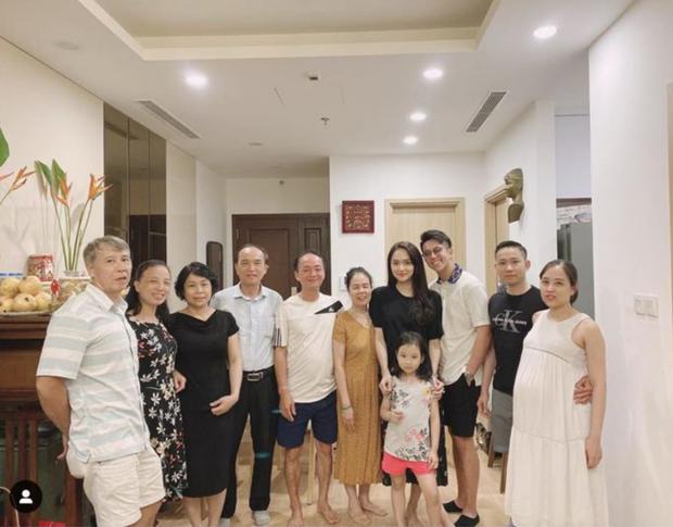 Cuối cùng Hương Giang cũng dắt Matt Liu về ra mắt đại gia đình, netizen đặt gạch chờ hỷ sự - Ảnh 3.