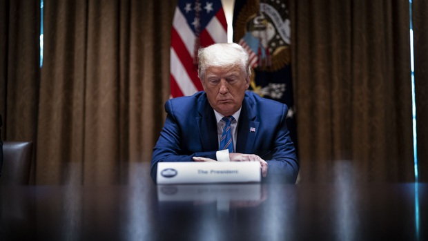 Nóng: Tổng thống Mỹ Donald Trump dương tính với Covid-19 - Ảnh 2.