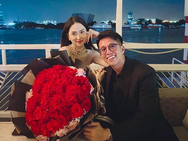 Thuận vợ thuận chồng như Matt Liu và Hương Giang: Không hẹn mà lần nào cũng đăng ảnh tình tứ gần như cùng lúc - Ảnh 1.