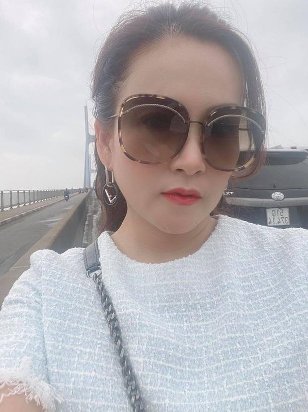 Bà xã bị kẹt xe trên cầu, Bình Minh liền có pha giải cứu khiến hội chị em MXH ghen đỏ mắt: Chồng nhà người ta đây rồi! - Ảnh 2.