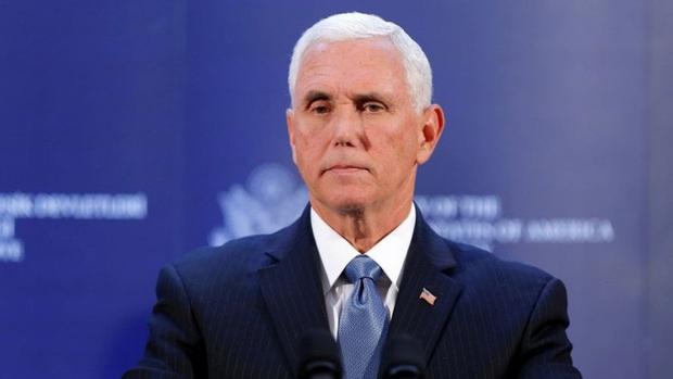 Phó Tổng thống Mỹ Mike Pence và phu nhân âm tính với virus SARS-CoV-2 - Ảnh 1.