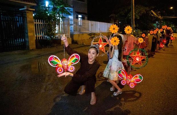 Khánh Vân bị chỉ trích giả tạo khi đi làm từ thiện cho các bé bị xâm hại tình dục, Miss Universe Vietnam chính thức lên tiếng - Ảnh 2.
