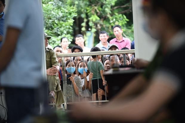 Chủ quán Nhắng nướng bị tuyên phạt 12 tháng tù giam: Bị cáo xin lỗi chị Hiền và toàn thể cộng đồng mạng - Ảnh 11.