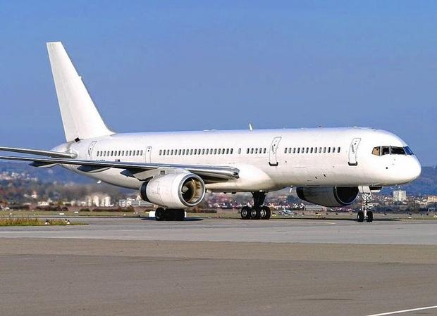"""""""Tại sao hầu hết máy bay đều có màu trắng"""" và hàng vạn thắc mắc đó giờ chưa từng được giải đáp của du khách - Ảnh 1."""