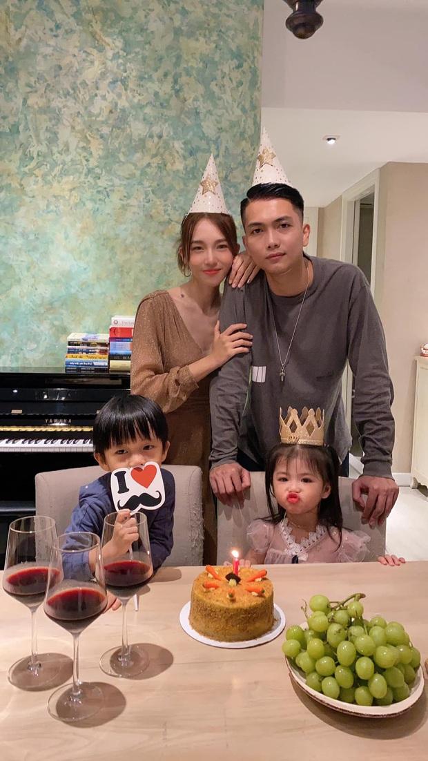 BigDaddy hiếm hoi khoe ảnh gia đình 4 người mừng sinh nhật Emily: Vợ đẹp đã chiếm spotlight, 2 nhóc tỳ còn nổi hơn - Ảnh 2.