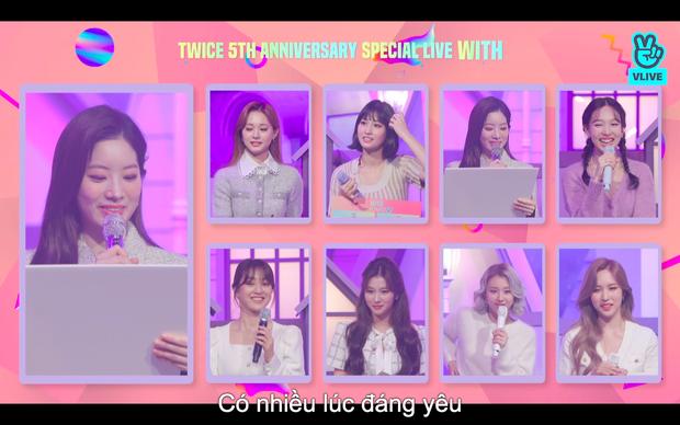 Tròn 5 năm debut, TWICE mở buổi live đặc biệt: Jeongyeon vắng mặt, các thành viên không ngại spoil ca khúc mới khiến fan sướng rơn - Ảnh 61.