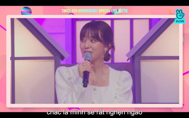 Tròn 5 năm debut, TWICE mở buổi live đặc biệt: Jeongyeon vắng mặt, các thành viên không ngại spoil ca khúc mới khiến fan sướng rơn - Ảnh 72.