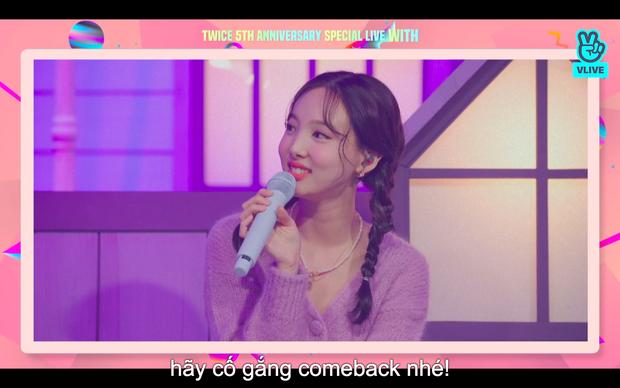Tròn 5 năm debut, TWICE mở buổi live đặc biệt: Jeongyeon vắng mặt, các thành viên không ngại spoil ca khúc mới khiến fan sướng rơn - Ảnh 81.